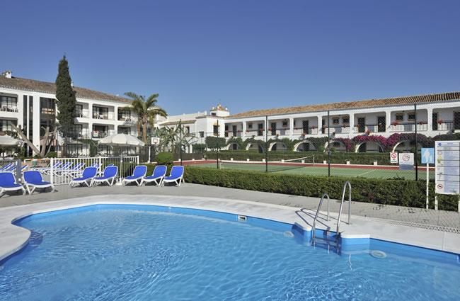 hotel cortijo blanco marbella:
